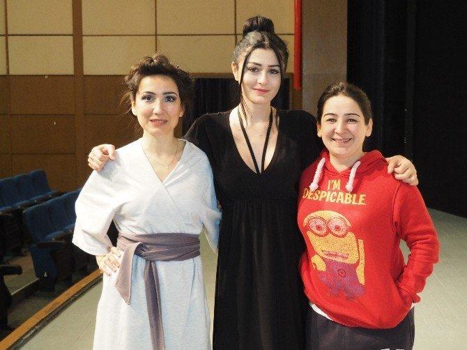 Ünlü Oyuncular Emekçi Kadınlara Seslendi