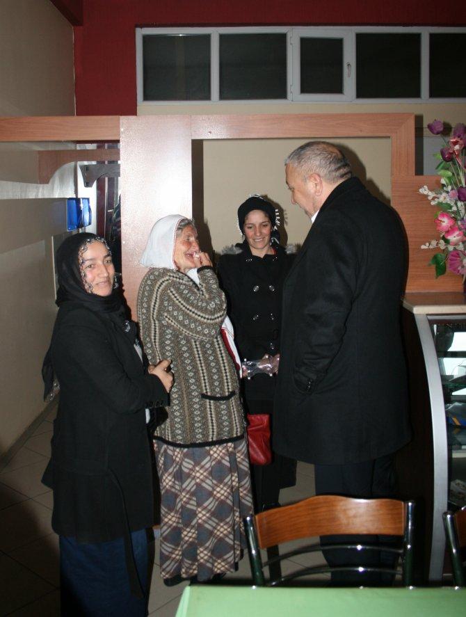 Çat Belediye Başkanı Kadınlar Günü'nü kutladı