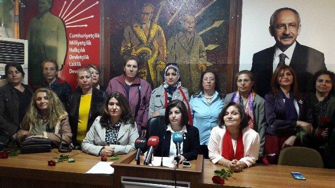 CHP'li Kadınlar 8 Mart Dünya Kadınlar Gününü Kutladı