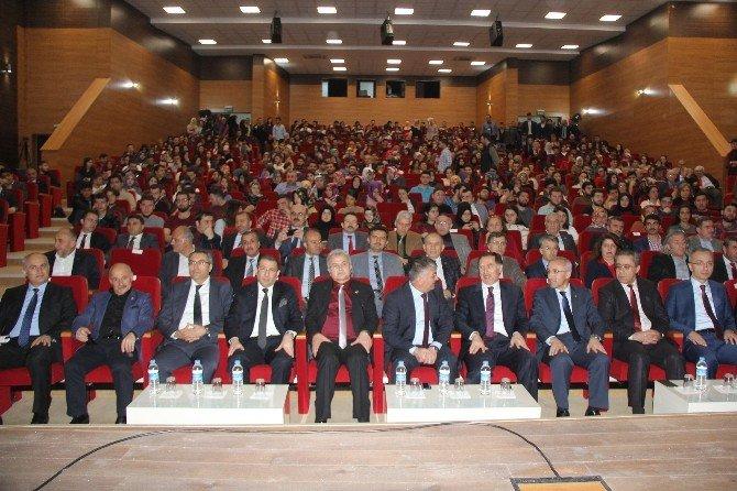 Şeref Malkoç, Rize'de Yeni Anayasayı Anlattı