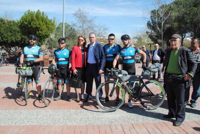 Bisikletçiler, şehit topraklarını Çanakkale Şehidi'nin toprağına dökecek