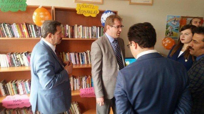 Kovancılar'da Köy Okuluna Kütüphane Açıldı