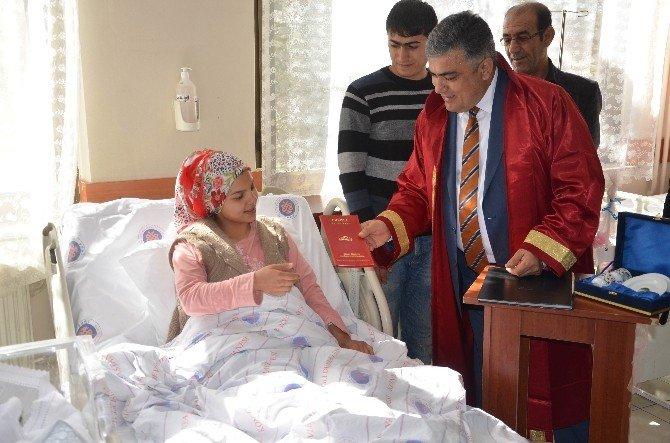 Hastane Odasında Nikahları Kıyıldı