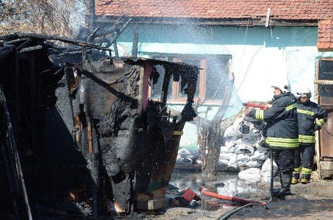 Eskişehir'de Baraka Yangını