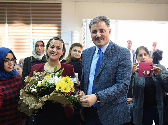 Kadınlar Günü'nde Kadın Kültür Ve Spor Merkezi'nde Etkinlik Düzenlendi