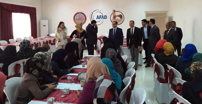 Harran'da Kadınlara Sevginin Sembolü Kırmızı Güller Dağıtıldı