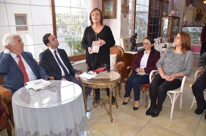 """""""Kahve Molası"""" Kitapı Kadınlar Günü'nde Tanıtıldı"""