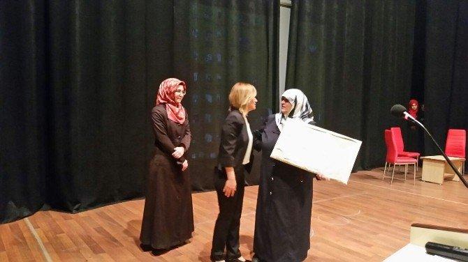 """Turhal Müftülüğü'nden """"İslam'da Kadın"""" Konferansı"""