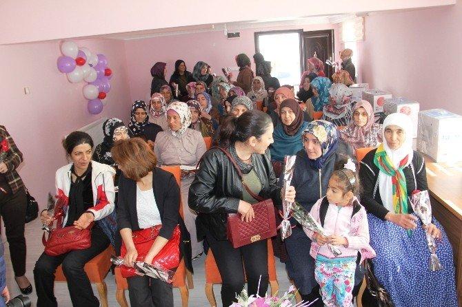 Iğdır'da Kadın Dayanışma Evi Açıldı