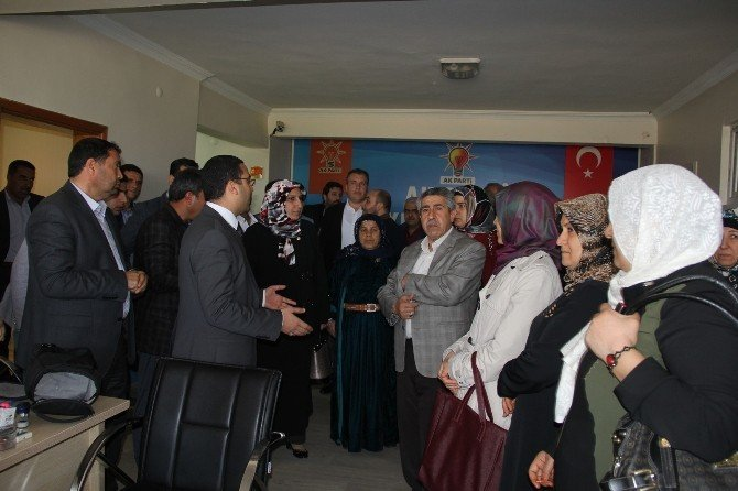 Kadınlar Gününde Şehit Ailelerini Ziyaret Ettiler