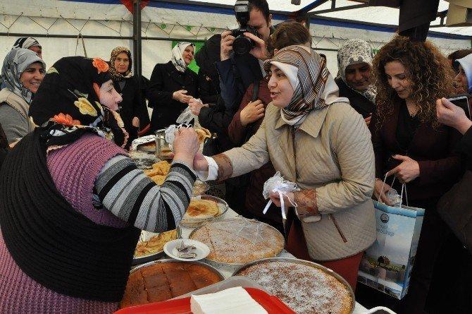 Kars'ta 8 Mart Kadınlar Günü Kermesi