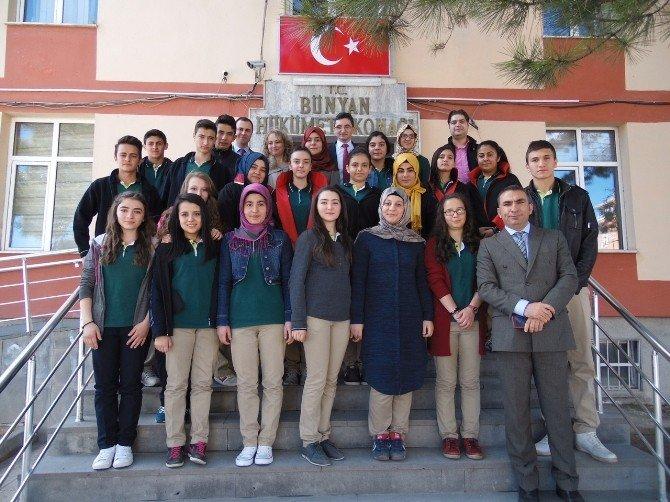 Bünyan Sağlık Meslek Lisesi Öğrencilerinden Bünyan Adliyesine Ziyaret