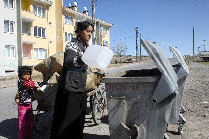 Ekmeğini Çöpten Çıkaran Kadınlar
