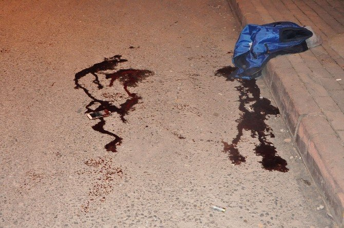 Husumetlilerine Kurşun Yağdırdı: 2 Ölü