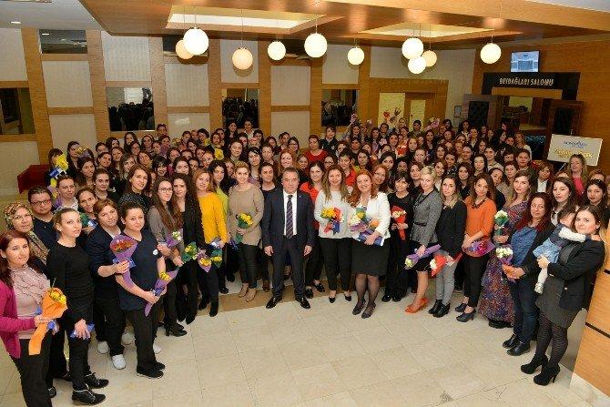 Böcek, Personelin Kadınlar Gününü Kutladı