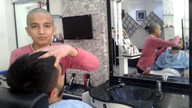 Berberler Lösemi Hastası Çocuklar İçin Saçlarını Kazıttı