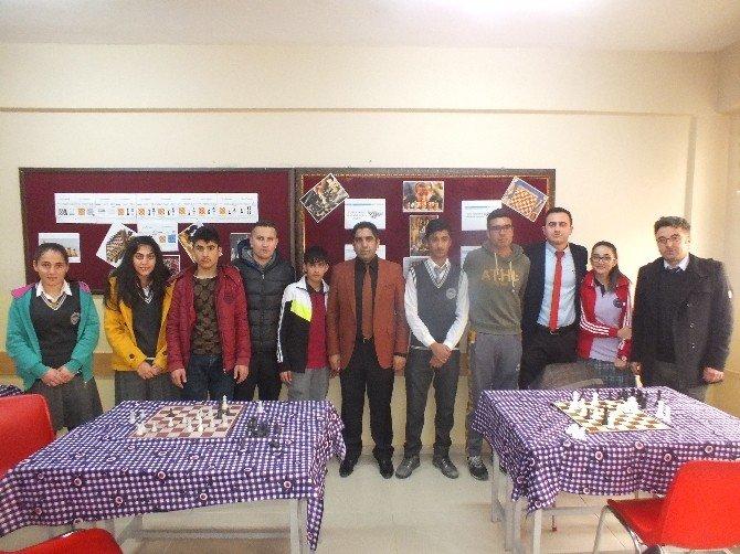Fen Lisesinde Satranç Turnuvası