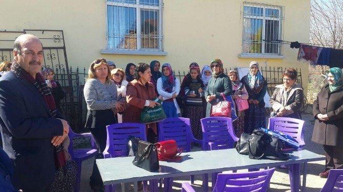Mastöb Kadınlar Gününü, Köylü Kadınlarla Kutladı
