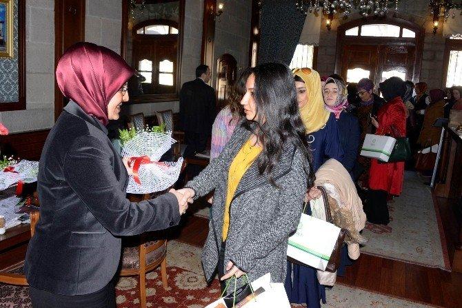 Başkan Toru, Bayan Gazetecilerle Buluştu