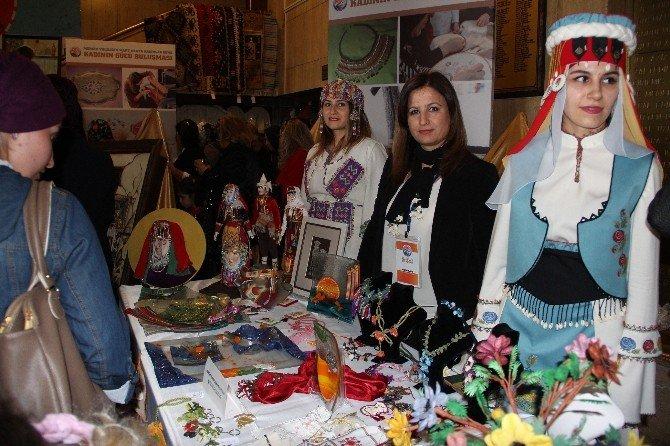 Kevser Çakacak, Kadınların El Emeği Ürünlerinin Sergisini Açtı
