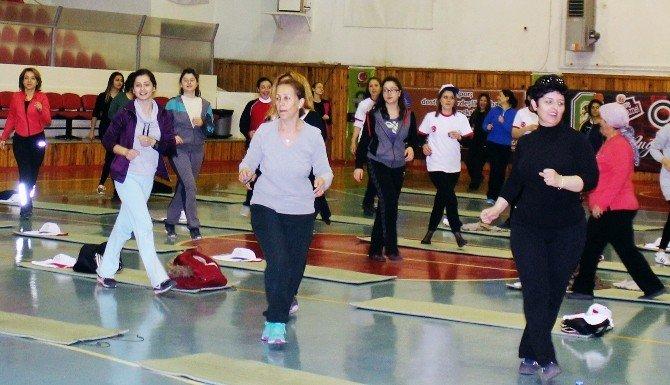 Kadınlar, Günlerine Spor İle Başladı