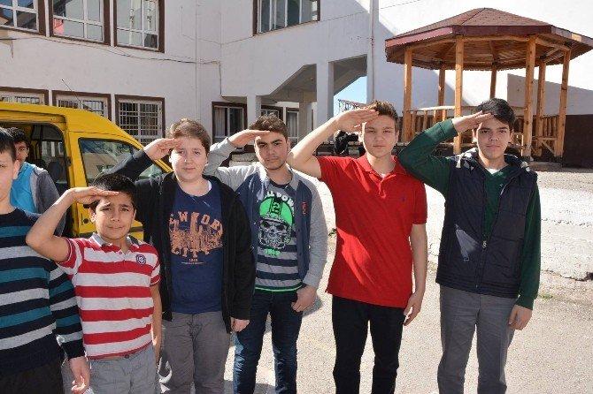 Onbeşlilerden Sur'daki Mehmetçiklere Mektup