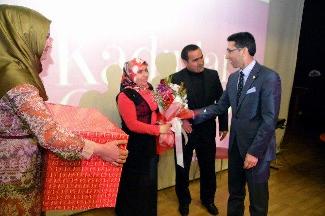 Siirt'te 3 Dilli 8 Mart Kutlaması