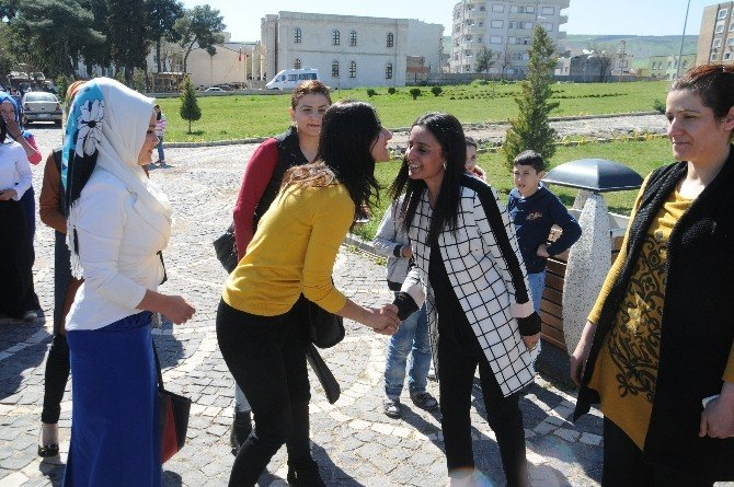 Cizre'de Kadınlar Günü'nde Şehitler İçin Mevlit Okutuldu