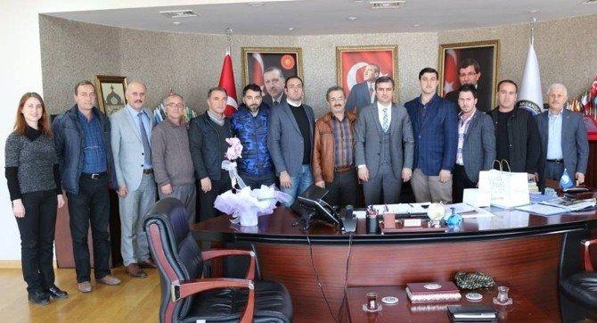 Turizm Derneği Yeni Yönetimi Başkan Yemeniciyi Ziyaret Etti