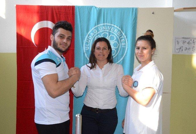 3 Türk Genci Dünyanın Bileğini Büktü