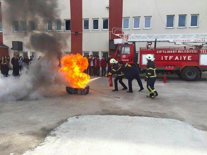 Öğrencilerle Yangın Tatbikatı