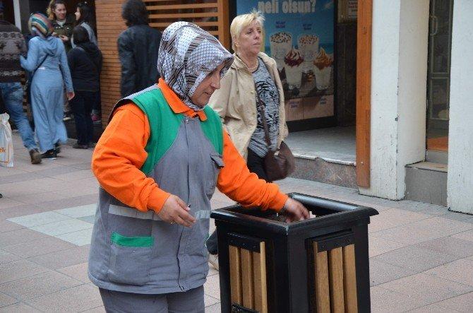 Sokaklara Kadın Eli Daha Temiz