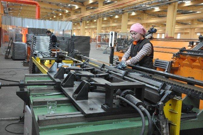 İşe Başladıkları Fabrikada Hayatları Değişti