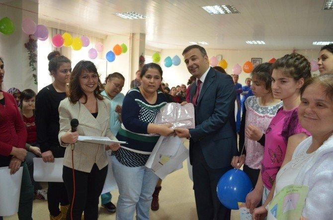 Rehabilitasyon Merkezinde Kadınlar Günü Programı Düzenlendi