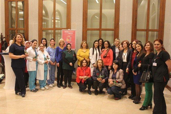 Acıbadem Hastanesi Kadınları Unutmadı