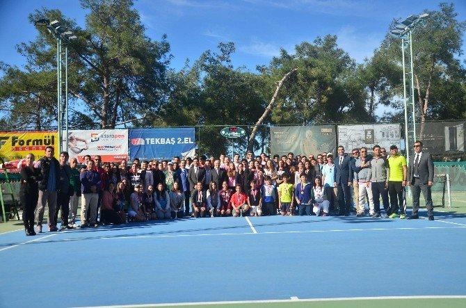 Adana'da Okullararası Tenis Turnuvası Tamamlandı