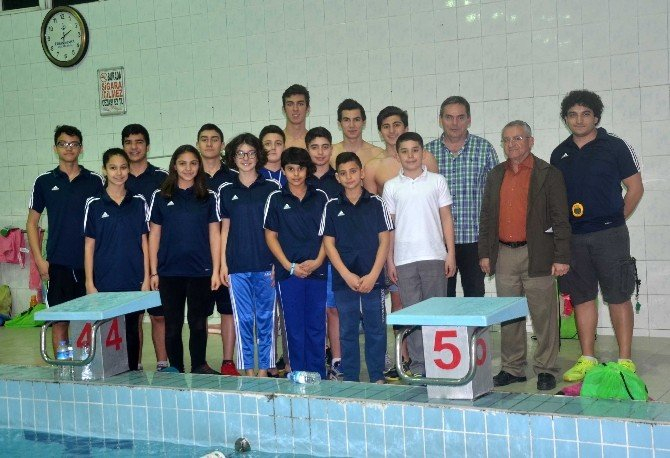 Adana TOHM Yüzme Takımı Almanya'ya Gitti
