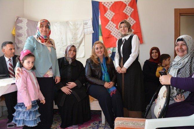 Kadın Danışma Merkezi'nden Semt Kadınlarına Seminer