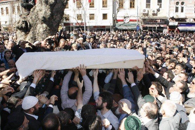 Ahmet Yaşar Hocaefendi Son Yolculuğuna Uğurlandı