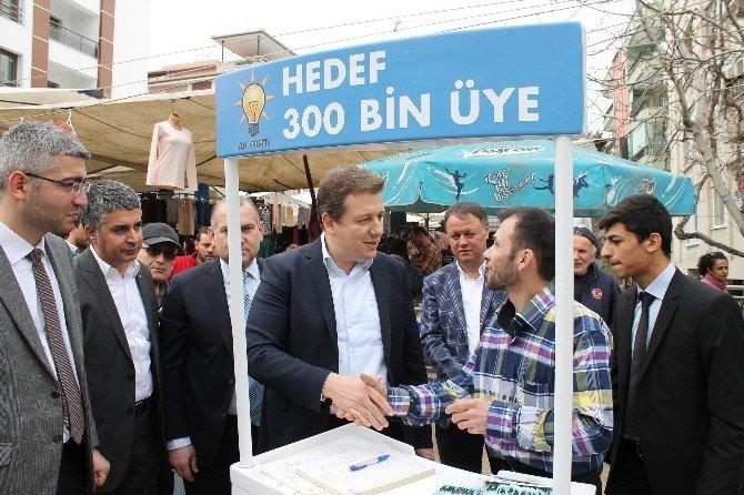 AK Parti Denizli İl Başkanı Filiz, Pazar Esnafıyla Sohbet Etti