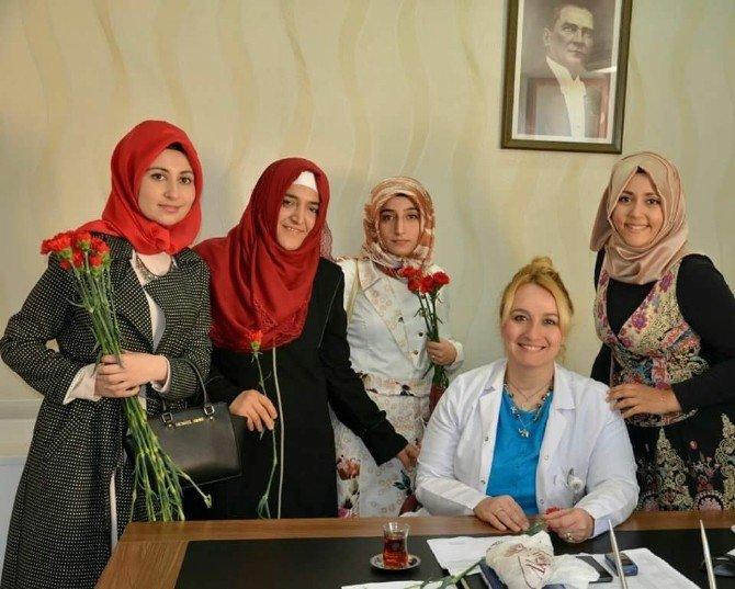 Akil Gençler Şanlıurfa Heyeti Kadınlar Gününü Coşkuyla Kutladı