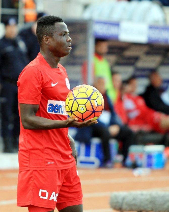 Antalyaspor'un Ganalı oyuncusu Inkoom'a milli takım kancası