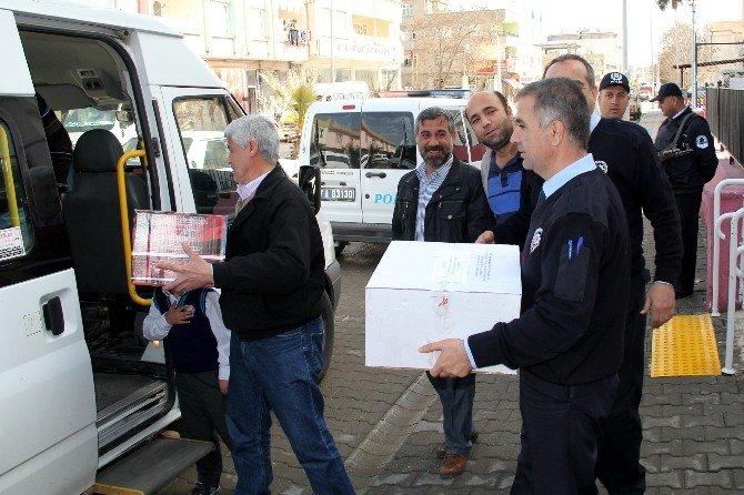 Polis Ve Polis Eşlerinden Sur'da Görev Yapan Polislere Gıda Yardımı