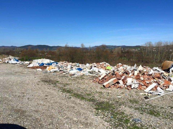 Bartın'da Gelişigüzel Atılan Çöpler Çevre Kirliliğine Neden Oluyor