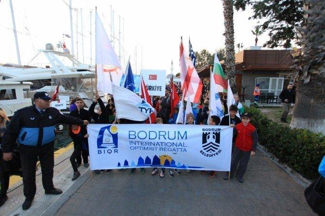 14 Ülkeden 280 Sporcu Kortej Yürüyüşünde Buluştu