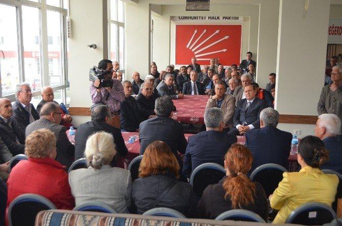 CHP'li Bülent Tezcan, Söke'de Partilileriyle Bir Araya Geldi