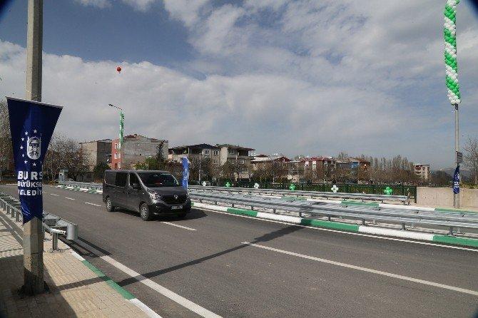 İki Mahalle 'Dostluk Köprüsü' İle Birleşti