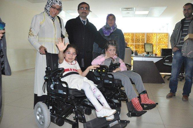 Şifa Dağıtan Eller Engellilerin Yüzünü Güldürdü