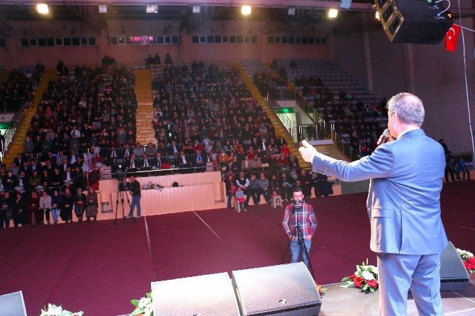 Çankırı Belediyesi Kadınlar Gününü Şiirlerle Kutladı