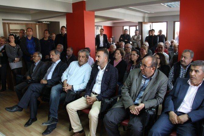 Bülent Tezcan, CHP Didim İlçe Teşkilatını Ziyaret Etti